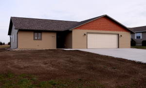 904 Lakeview Drive, Arnolds Park, IA 51331