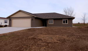 810 Lakeview Drive, Arnolds Park, IA 51331