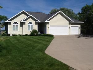 1410 Lakeside Avenue, Lake Park, IA 51347