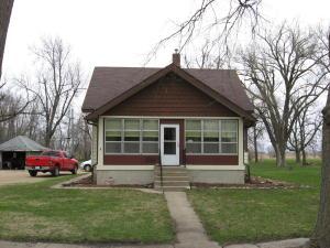 307 Ave D E, Lake Park, IA 51347