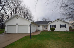 1030 S South Emerald Hills Drive, Arnolds Park, IA 51331