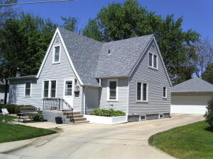 615 14th Ave N, Estherville, IA 51334