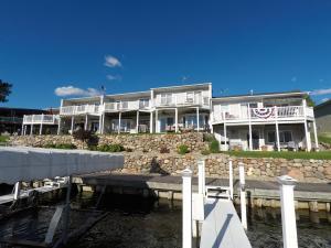 15525 Harbor Drive #3, Spirit Lake, IA 51360
