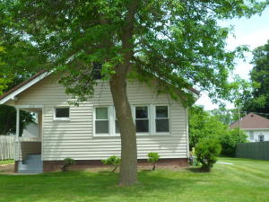 1214 N 7th Street, Estherville, IA 51334