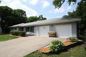 812 9th Street, Spirit Lake, IA 51360