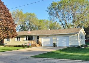 1420 14th Avenue N, Estherville, IA 51334