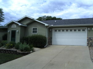 121 N 12th St, Estherville, IA 51334