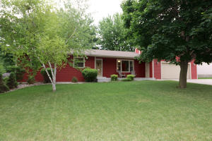 11 Parkway Drive, Spencer, IA 51301