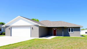 811 Lakeview Drive, Arnolds Park, IA 51331