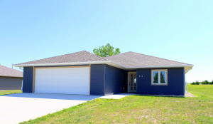 814 Lakeview Drive, Arnolds Park, IA 51331