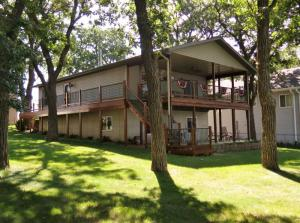 420 252nd Avenue, Spirit Lake, IA 51360
