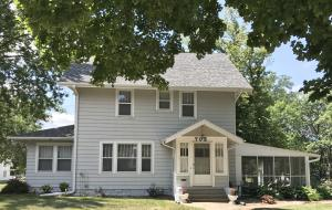 703 N 6th Street, Estherville, IA 51334