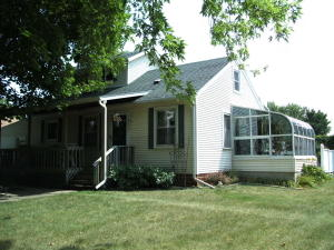 120 N 13th St, Estherville, IA 51334