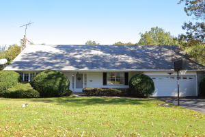 1632  Colonial manor Drive, LANCASTER