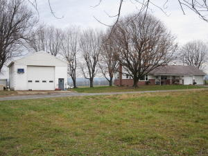 Additional photo for property listing at 7870 LANCASTER AVENUE  Myerstown, Pennsylvania 17067 Estados Unidos