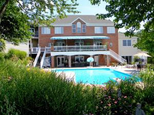 Casa Unifamiliar por un Venta en 938 LOG CABIN ROAD Leola, Pennsylvania 17540 Estados Unidos