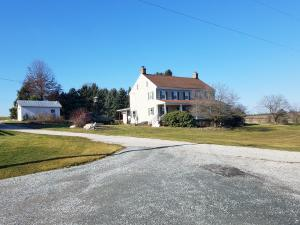 Additional photo for property listing at 510 WINDSOR ROAD  York, Pennsylvania 17402 United States