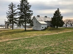 独户住宅 为 销售 在 138 FARMERSVILLE ROAD 埃弗拉塔, 宾夕法尼亚州 17522 美国