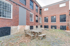 Additional photo for property listing at 119 3RD STREET  Denver, 宾夕法尼亚州 17517 美国