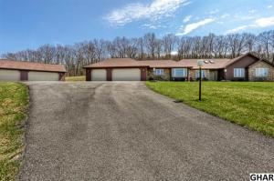 Single Family Home for Sale at 376 COONHUNTER Middleburg, Pennsylvania 17842 United States