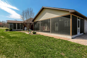 Additional photo for property listing at 376 COONHUNTER  Middleburg, Pennsylvania 17842 Estados Unidos