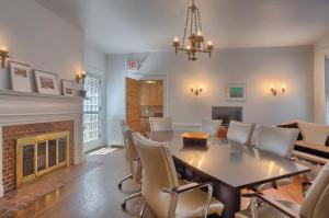 Additional photo for property listing at 245 KING STREET  Lancaster, Pennsylvania 17602 Estados Unidos