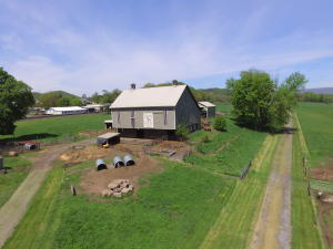 Additional photo for property listing at 3 1ST STREET  Port Royal, Pennsylvania 17082 Estados Unidos