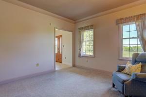 Additional photo for property listing at 554 WILLOW STREET  Reinholds, 賓夕法尼亞州 17569 美國