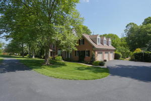 Additional photo for property listing at 98 LEAMAN ROAD  Lancaster, Pennsylvania 17603 United States
