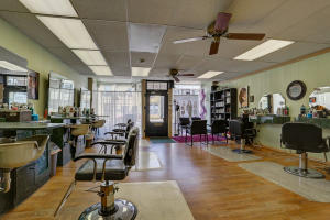 Additional photo for property listing at 206 MAIN STREET  芒特乔伊, 宾夕法尼亚州 17552 美国