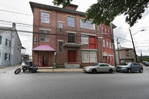 Additional photo for property listing at 304 UNION STREET  Columbia, Pennsylvania 17512 United States