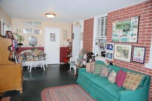 Additional photo for property listing at 210 OBERHOLTZER ROAD  Gilbertsville, 賓夕法尼亞州 19525 美國