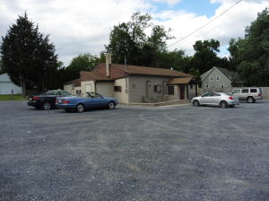 Comercial por un Venta en 1075 TURNPIKE Elizabethtown, Pennsylvania 17022 Estados Unidos