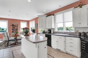Additional photo for property listing at 2056 WATERFORD DRIVE  Lancaster, Pennsylvania 17601 Estados Unidos
