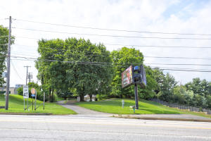 Additional photo for property listing at 2280 LINCOLN HIGHWAY  兰开斯特, 宾夕法尼亚州 17602 美国