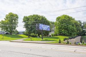 Additional photo for property listing at 2280 LINCOLN HIGHWAY  Lancaster, Pennsylvania 17602 Estados Unidos