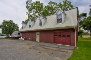 Additional photo for property listing at 3157 LINCOLN HIGHWAY EAST  Paradise, Pennsylvania 17562 United States
