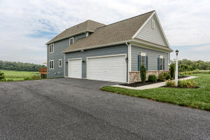 Additional photo for property listing at 153 WILLOW CREEK LANE  Hummelstown, Pennsylvania 17036 Estados Unidos