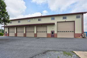 Commercial for Sale at 2479-2479A OLD PHILADELPHIA PIKE Lancaster, Pennsylvania 17602 United States
