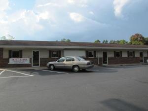 801 Peavine Rd, Crossville, TN 38571