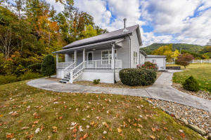 634 Old Cedar Creek Rd, Townsend, TN 37882