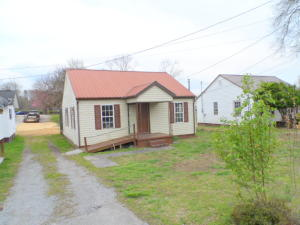Property for sale at 906 Chamberlain Ave, Rockwood,  TN 37854