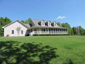 1220 Bowman Bend Rd, Harriman, TN 37748