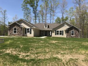 150 Logan Lane, Oneida, TN 37841
