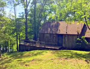 Property for sale at 706 Scenic River Rd, Madisonville,  TN 37354