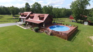 605 Robs Rd, Grimsley, TN 38565
