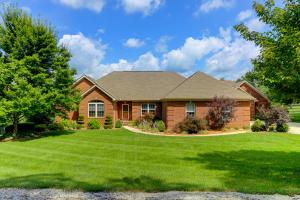 622 Iron Wood Circle, Crossville, TN 38571