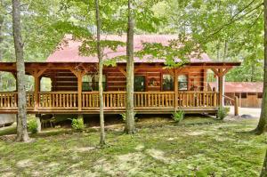 784 Wilderness Tr, Oneida, TN 37841