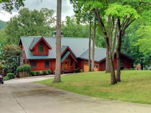 342 Little Fawn Lane, Lafollette, TN 37766