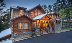 809 Pinecrest Way, Sevierville, TN 37862